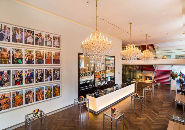 Congreslocatie-Amsterdam-DeLaMar-Theater-Royal-Foyer-LR.jpg