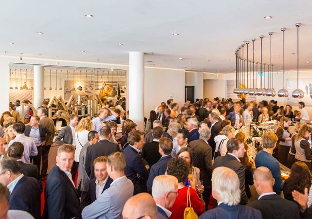 Congreslocatie-Amsterdam-DeLaMar-Theater-Spieghel-foyer-borrel2-LR.jpg