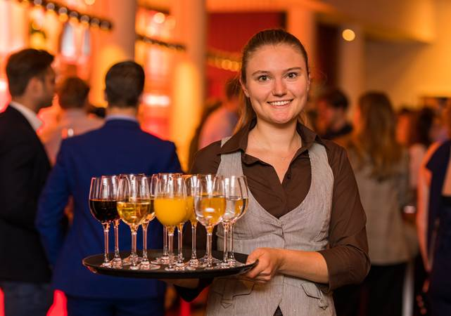 Evenementenlocatie-Amsterdam-DeLaMar-Theater-Borrel-Rode-Foyer-LR.jpg