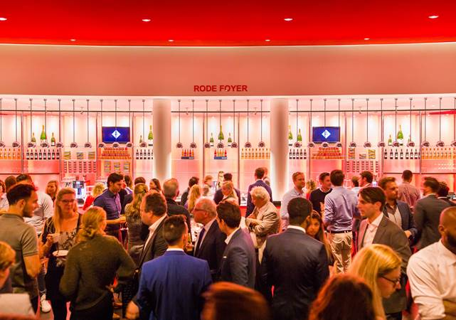 Evenementenlocatie-Amsterdam-DeLaMar-Theater-Rode-Foyer-borrel-LR.jpg