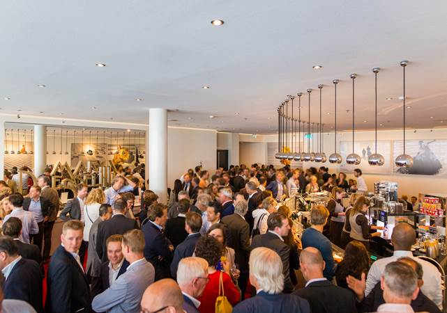 Evenementenlocatie-Amsterdam-DeLaMar-Theater-Spieghel-foyer-borrel2-LR.jpg
