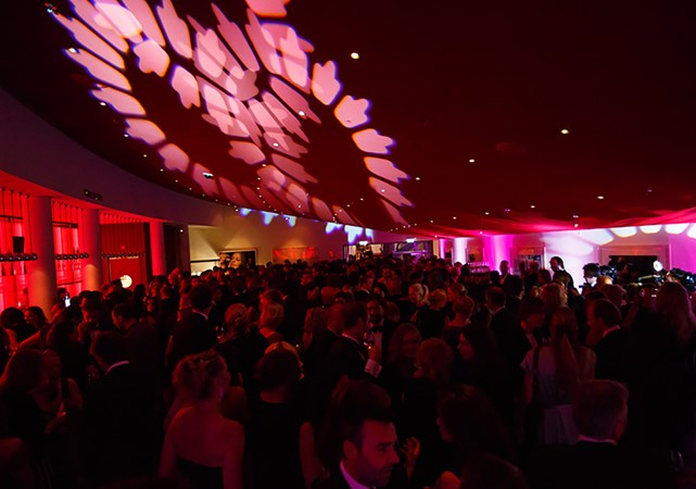 Evenementenlocatie-Amsterdam-DeLaMar-Theater-Rode-Foyer-premiere.jpg