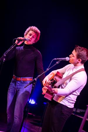 The-Simon-And-Garfunkel-Story-scene-3-DeLaMar-Theater.jpg