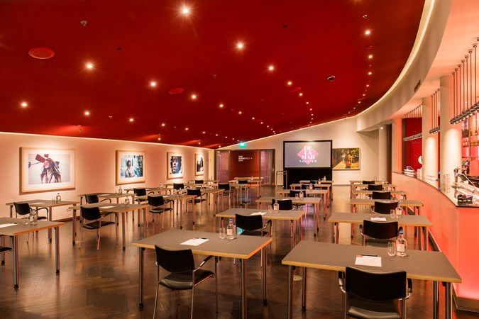 Vergaderlocatie Amsterdam Delamar Theater Rode Foyer Schoolopstelling